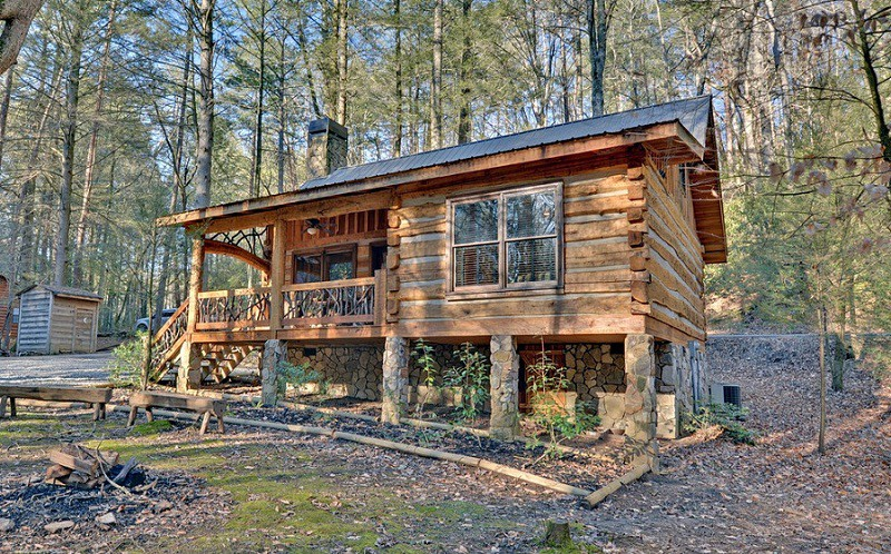 Small Rustic Log Cabin Plans Room