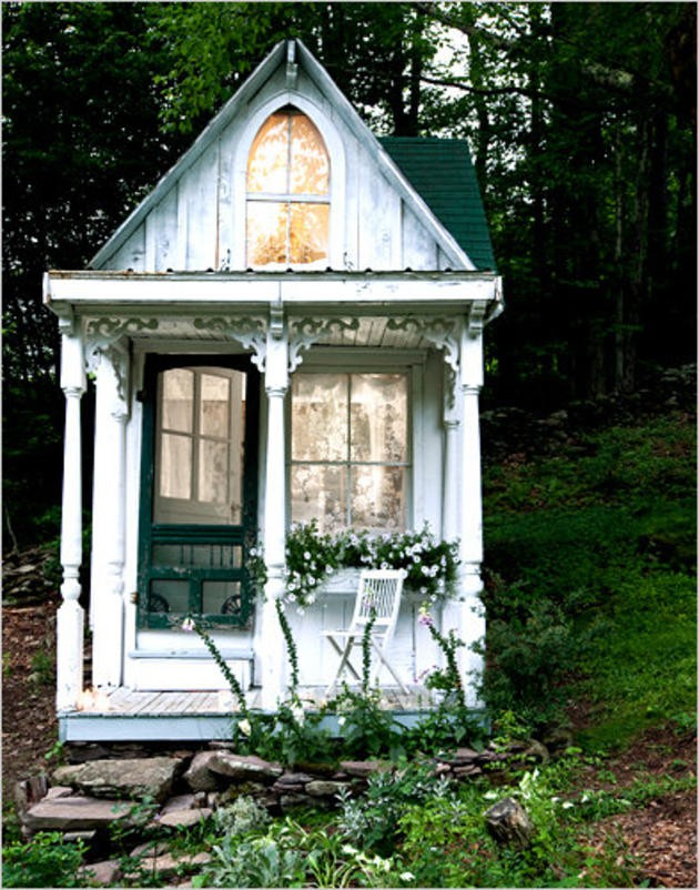 Small Victorian Cottage Like Waste Time